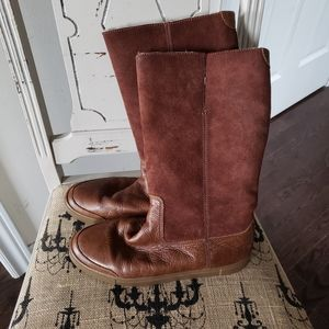 Stunning Frye sherpa lined boots NEW
